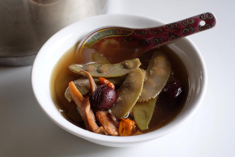 Hyacinth Bean Soup / Pang Pi Dou Tang (彭皮豆湯) – 7 Ingredients