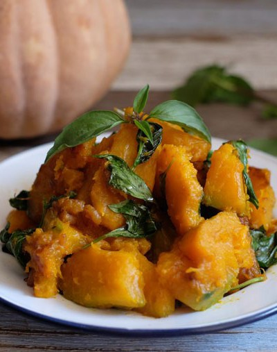 Pumpkin Stir-fried With Dried Shrimps and Thai Basil – 3 Ingredients