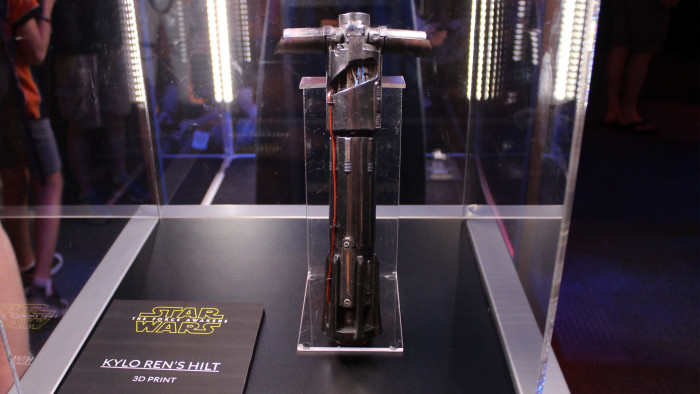 the force awakens lightsaber duels kylo_rens_hilt.0