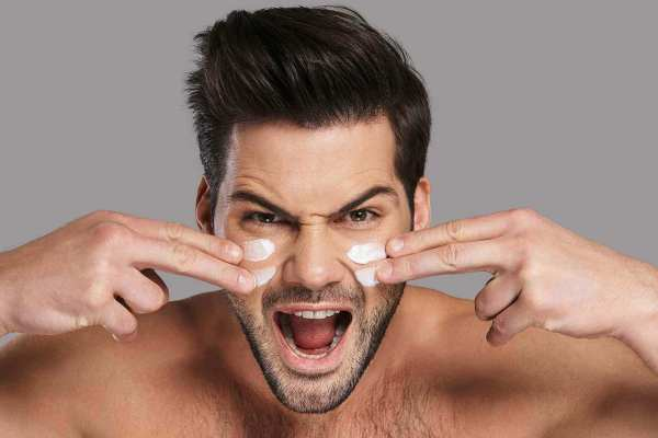 Skincare Products For Men's Oily Skin 2021