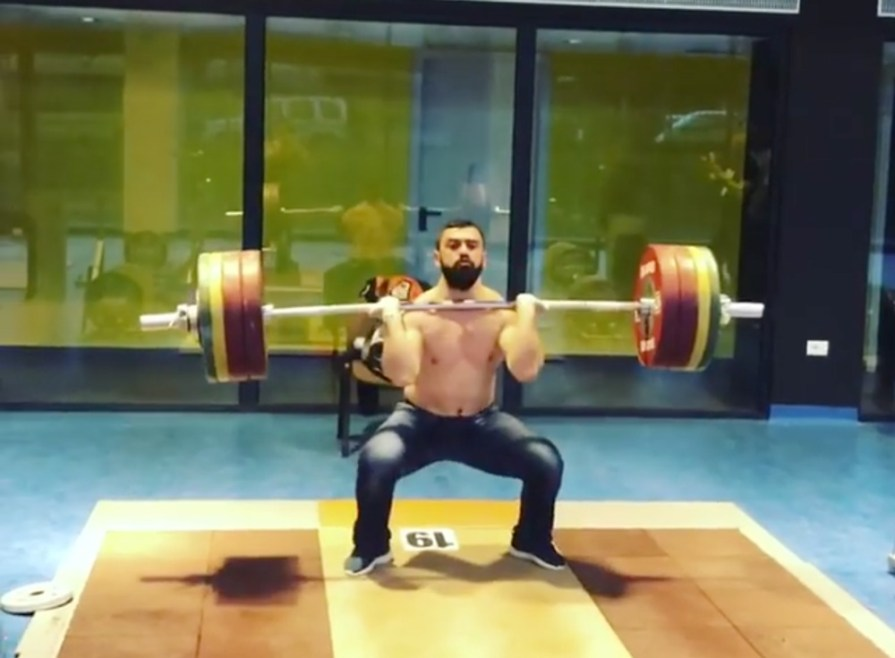Jeans For Weightlifters