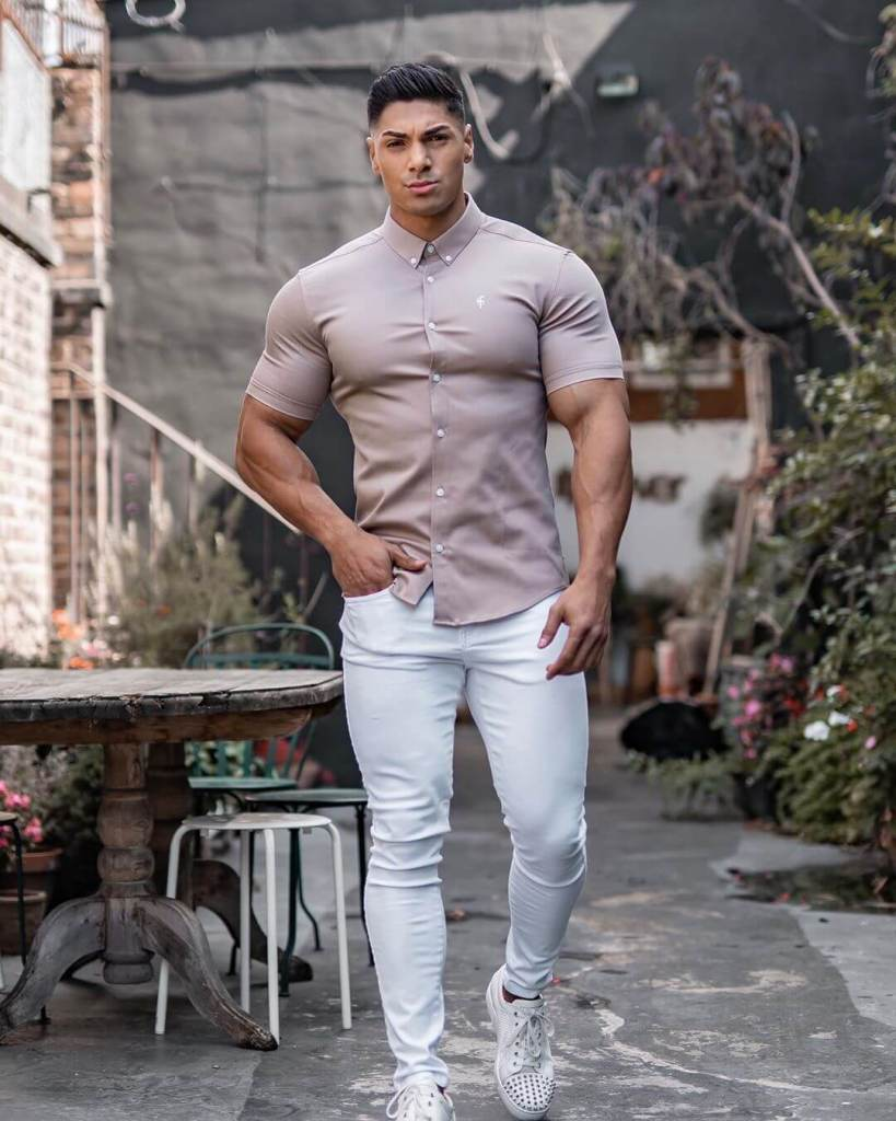 outfits for muscular guys 2021-muscular mens outfit ideas 2021