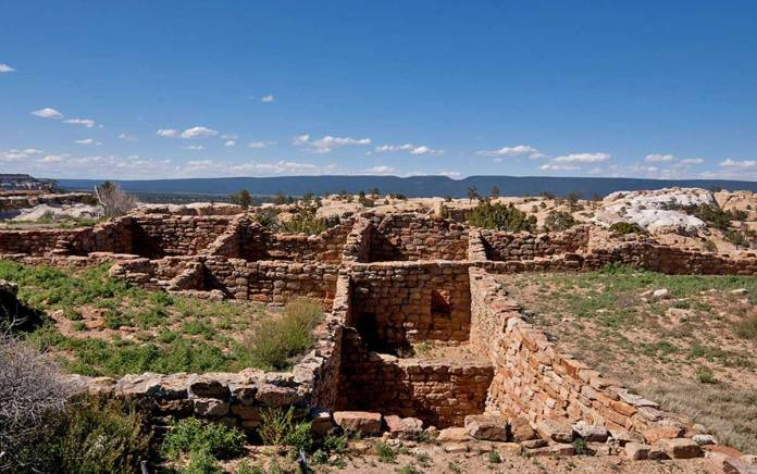 Atsinna pueblo ruins