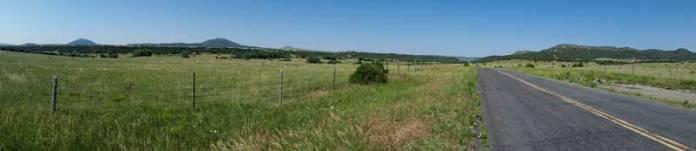 Road across Johnson mesa