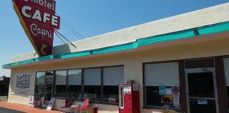Raton Pass Motor Inn Capri cafe