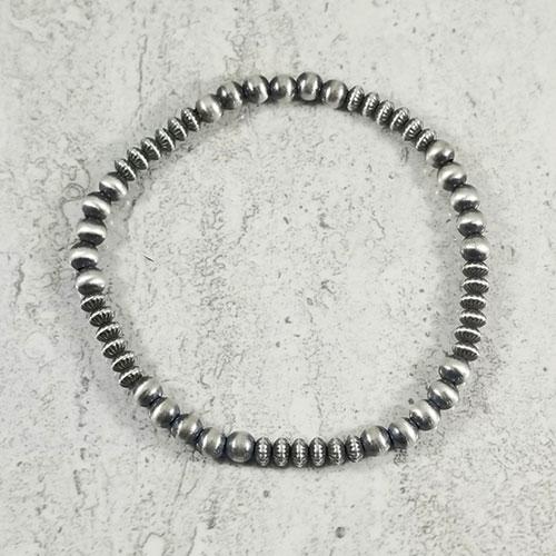 Everday Navajo Pearl bracelet