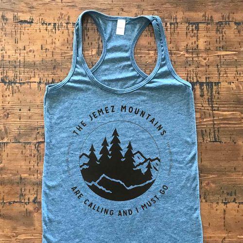 Traverse Jemez Mountains are Calling Women's Razorback T-shirt