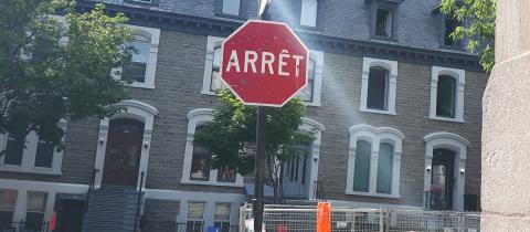 Arret sign