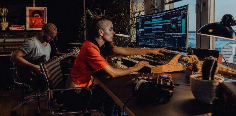 Il tracking in una DAW integra anche una prima fase di mixing (fonte Steinberg)