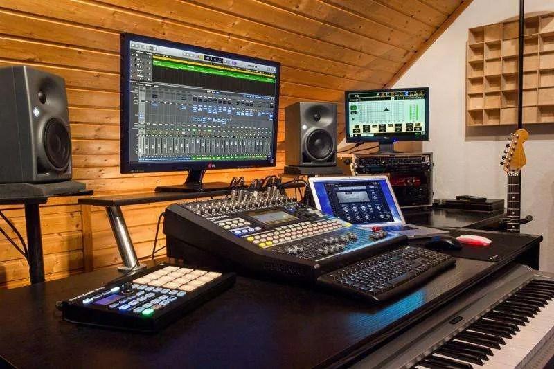 Personal studio monitoring