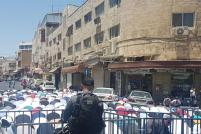 2017_7_14-worshippers-pray-outside-al-aqsa-3