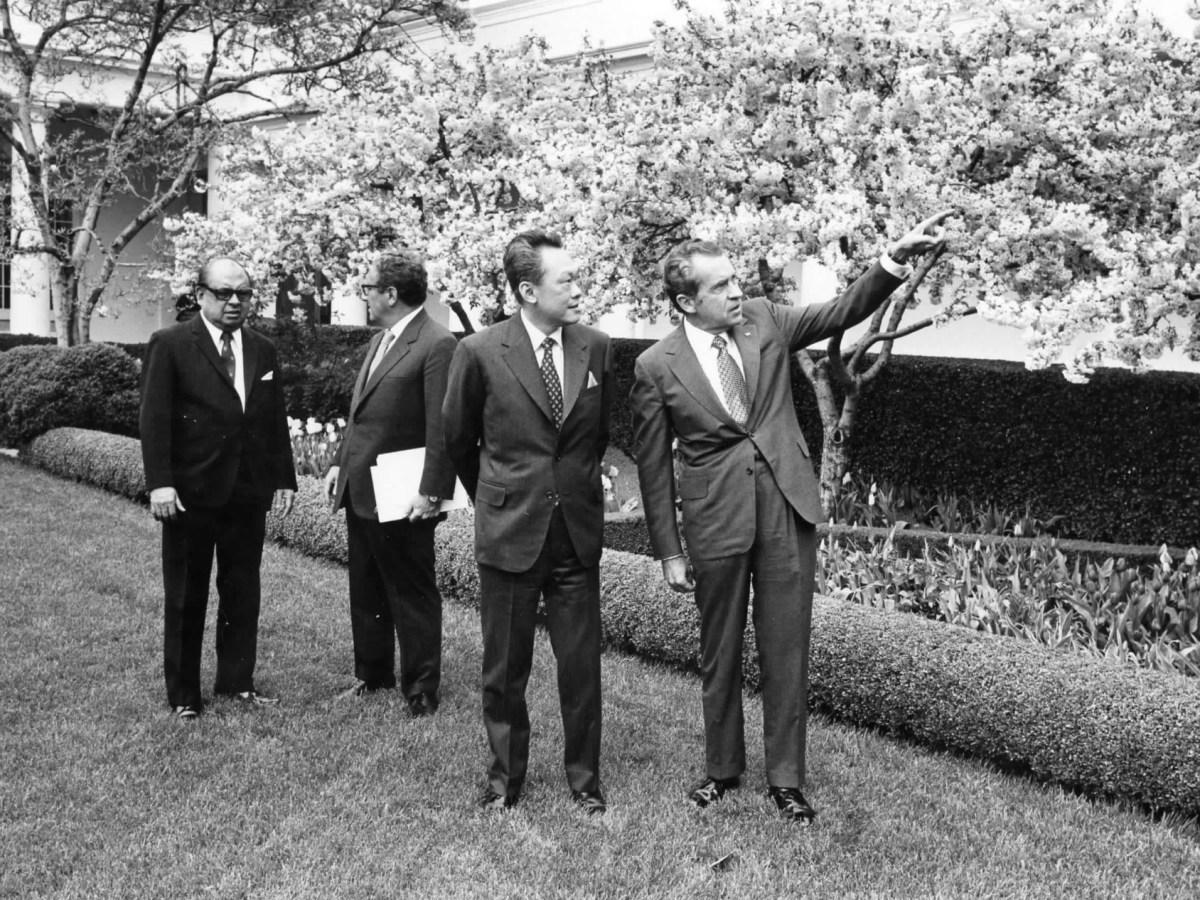 Lee Kuan Yew and Richard Nixon, 1970 - New Naratif