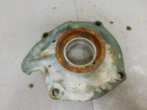 JD 60 R.H .002 UNDER MAIN BEARING HOUSING 10705