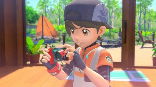 New Pokemon Snap main character holding camera new Pokémon snap