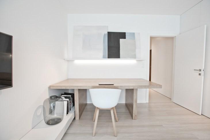 minimalistyczny salon, biały salon
