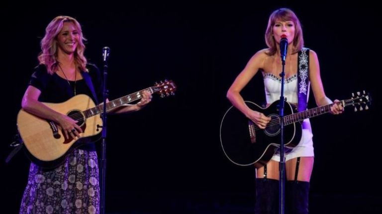 Taylor and Phoebe Smelly Cat