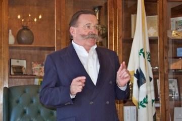 Mayor Harry Winthrop
