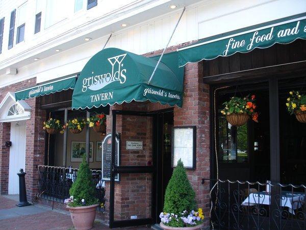 Griswald's tavern Newport Closed