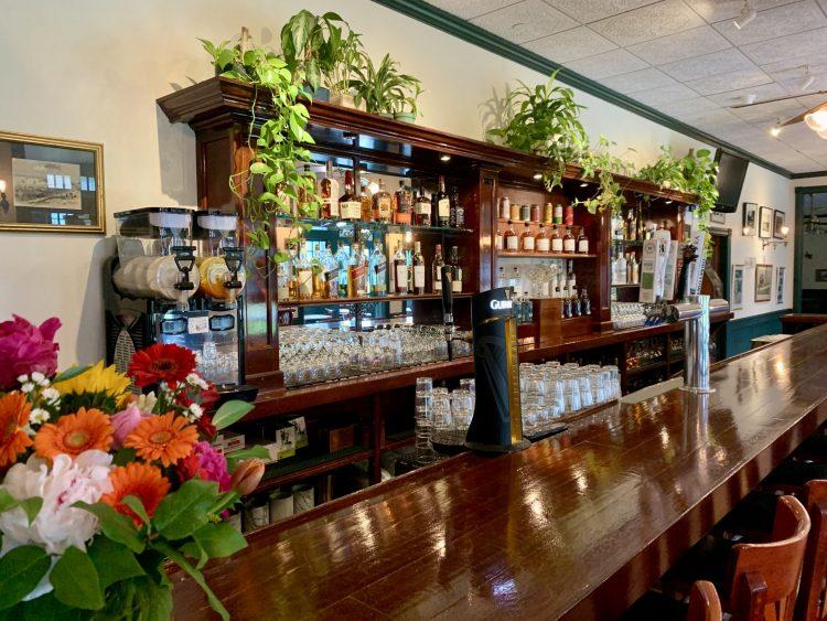 La Forge Newport Back Bar