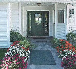 Front Entry | Newport Inns of Rhode Island