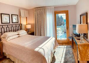 Hawthorne bedroom | Newport Inns of Rhode Island