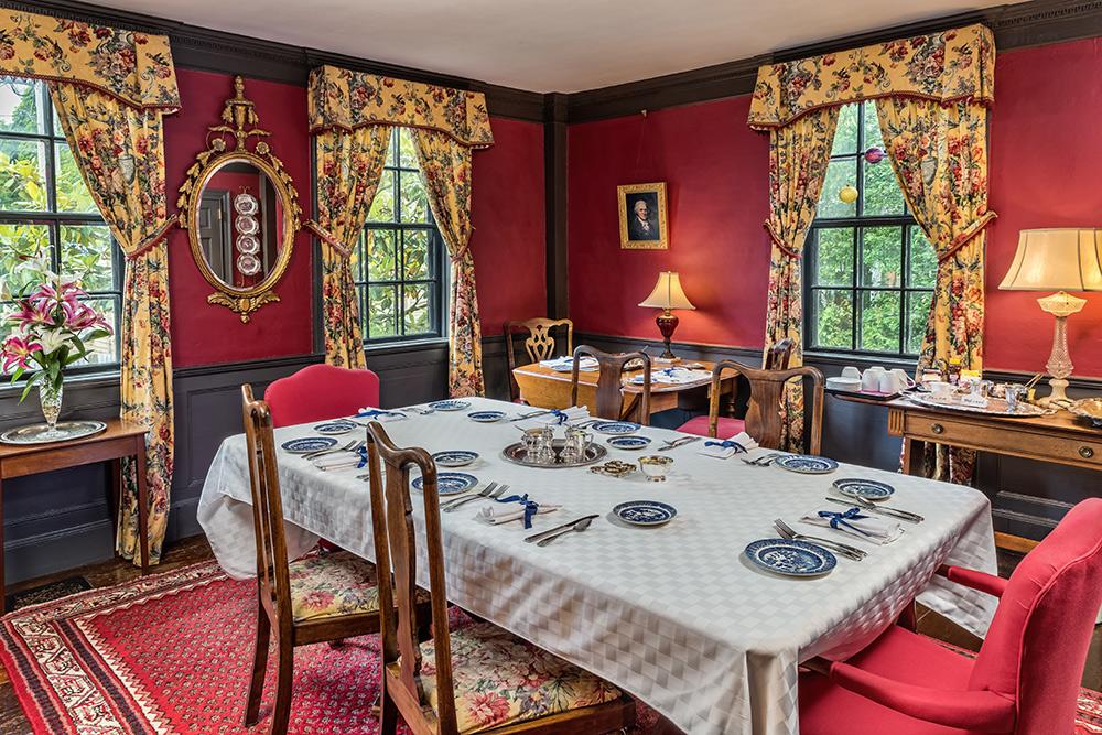 Samuel Durfee House dining room | Newport Inns of Rhode Island