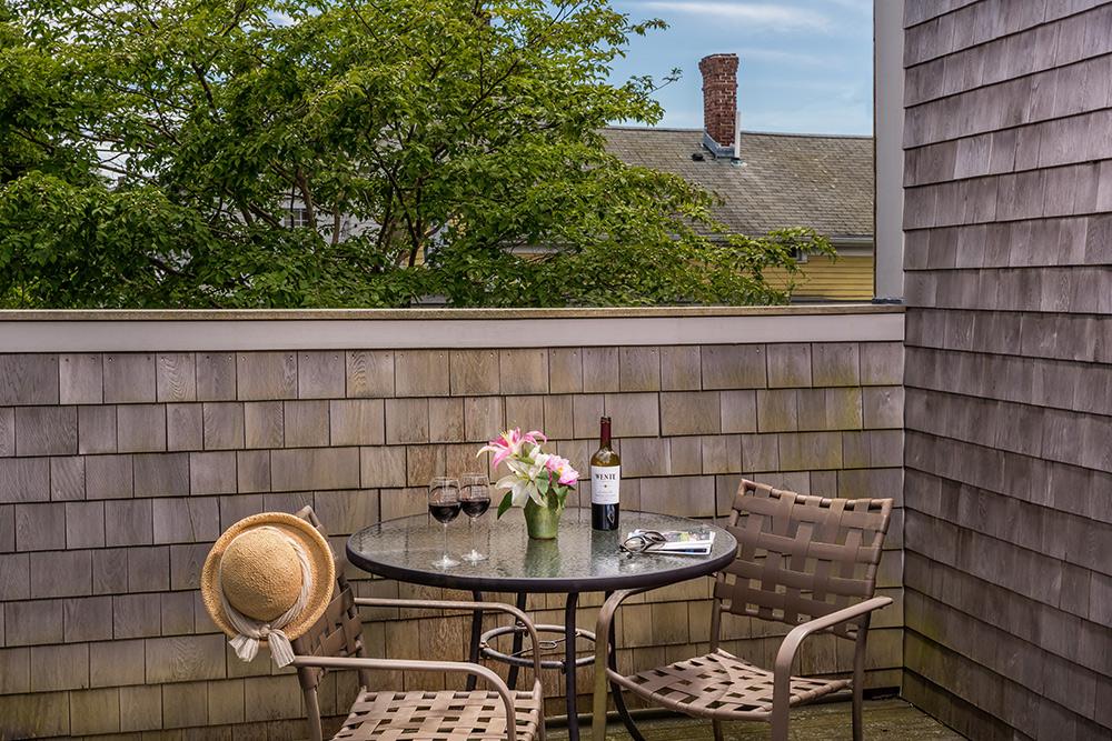 Perry Room private deck | Newport Inns of Rhode Island