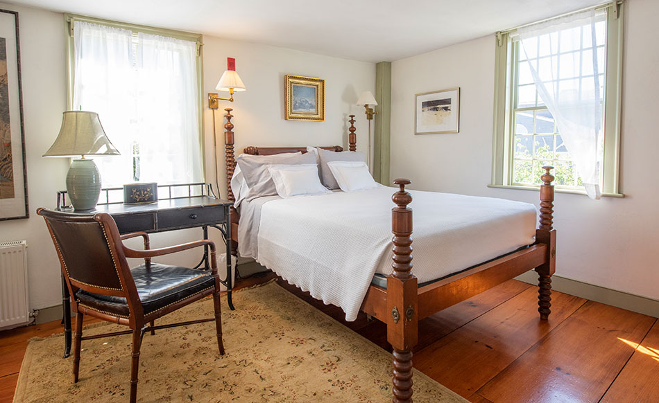 Southeast Chamber Suite | Newport Inns of Rhode Island