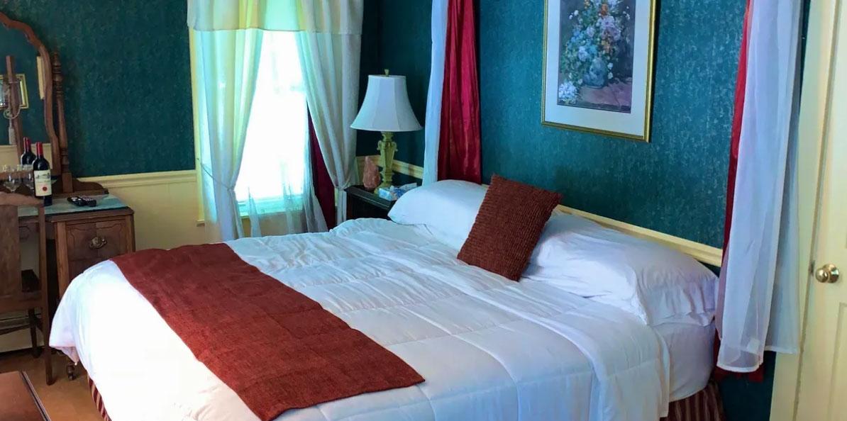 Victoria's room   Newport Inns of Rhode Island