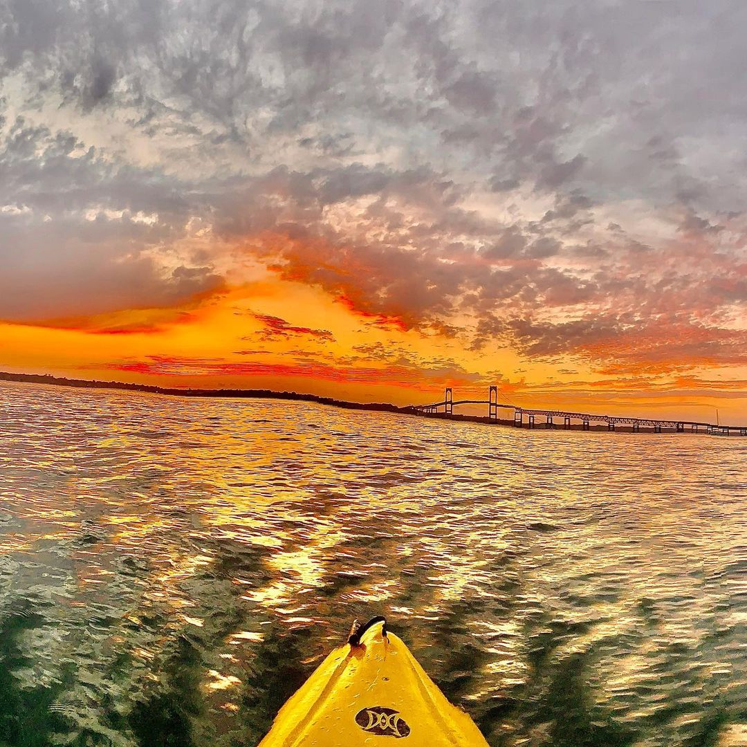 Kayak ride in the sunset | Newport Inns of Rhode Island