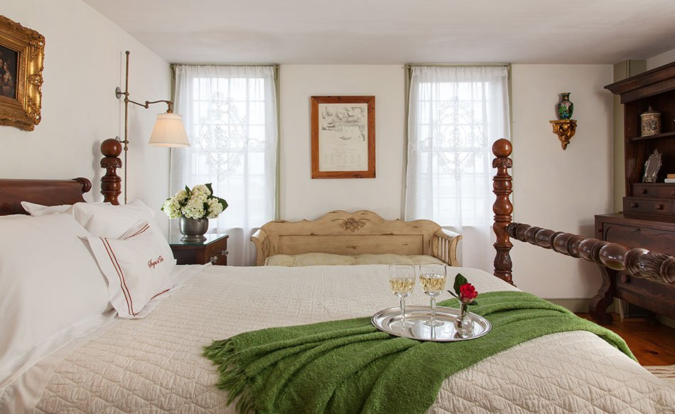 Three day booking and receive the fourth night on us