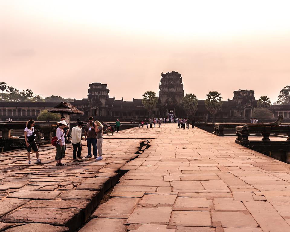Angkor Wat Causeway