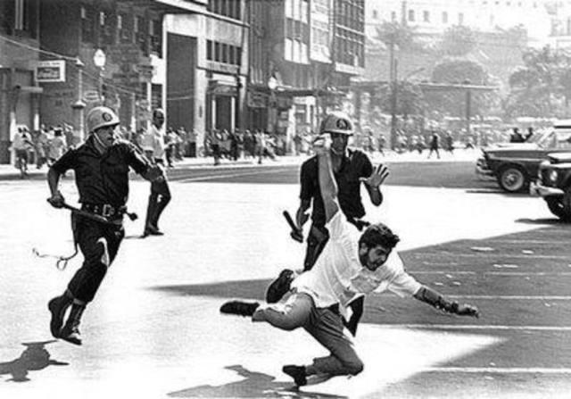 624-estudantes-manifestam-contra-a-ditadura-militar-golpe-de-1964-divulgacao
