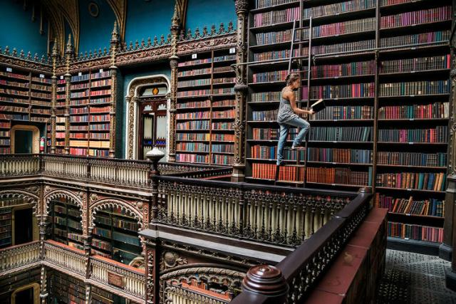3064267-slide-1-from-nepal-to-cuba-steve-mccurry-documents-the-worlds-reader