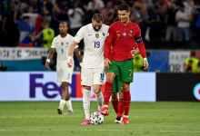 Photo of فيديو – رونالدو يُحيي بنزيما بعد تسجيله ولقطة رائعة بين شوطي المباراة