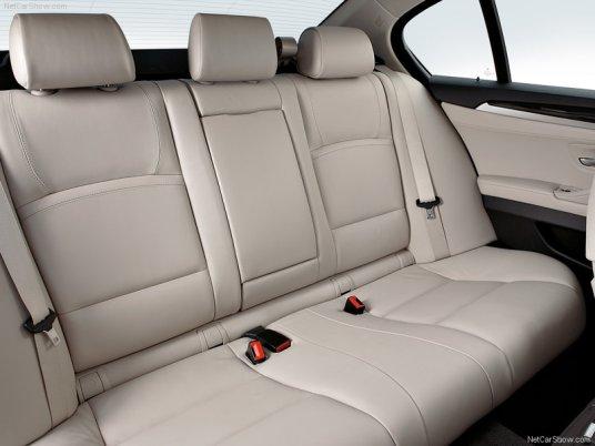 BMW-5-Series_2011_10