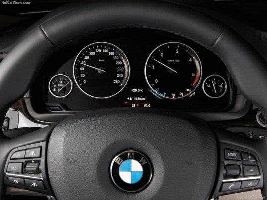 BMW-5-Series_2011_11