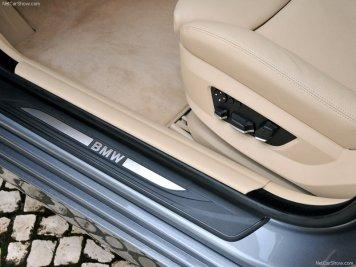 BMW-5-Series_2011_16