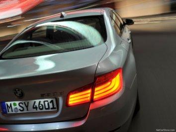BMW-5-Series_2011_25
