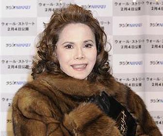 【衝撃】デヴィ夫人「毛皮のコート破られた」訴訟で完敗 前から裂けていた