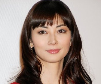 【画像あり】伊東美咲、44歳の最新ショットが美しすぎる!久しぶりの顔出しに絶賛の声「すごく綺麗」