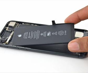 スマホのバッテリーが「簡単に交換できない設計」