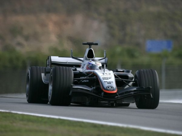 How Can a Formula 1 Car Drive Upside Down and Defy Gravity?