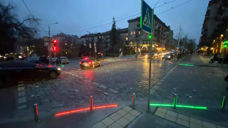 Новость одной картинкой: самый оригинальный светофор в Киеве