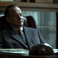 Питер Сарсгаард рассказал о роли Уолтера Дюранти, страсти к актерству и отношению к Трампу