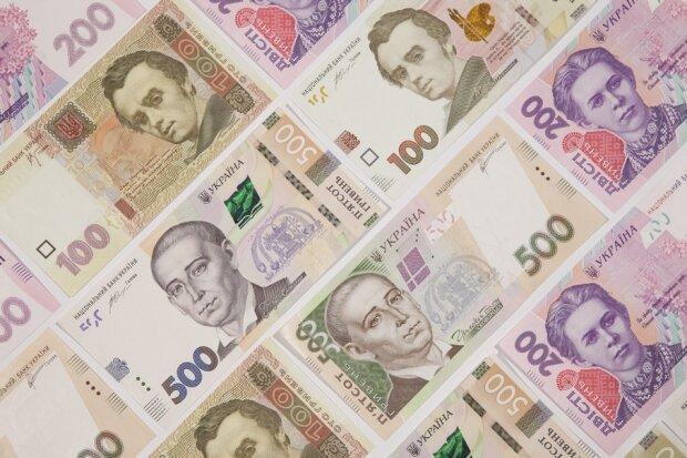 На выходных доллар остановился на уровне четырехлетнего минимума: курс валют в Украине на 15 декабря