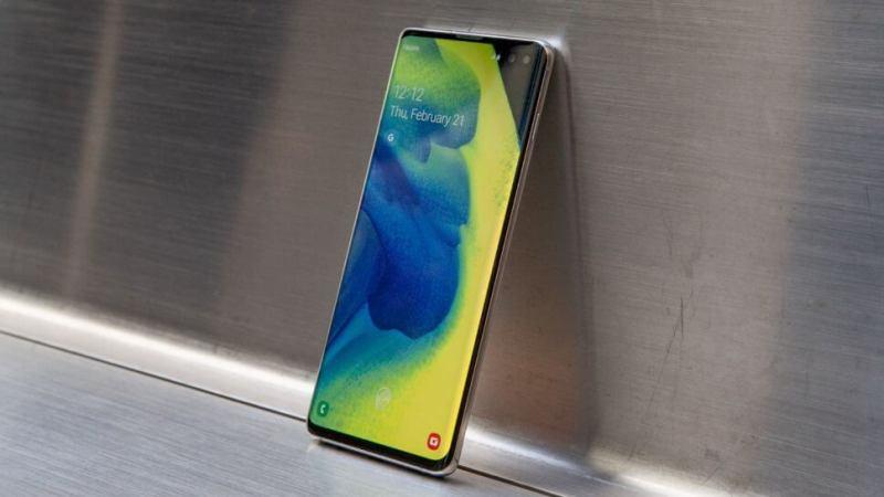В сеть утекло первое реальное изображение Samsung Galaxy S11