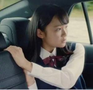 デンソー 2019CM・車の女子高生(女優)は誰?後部座席で勉強中の濱尾咲綺
