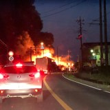 茨城県下妻市皆葉付近の倉持クリーニング店で火災 fire scene