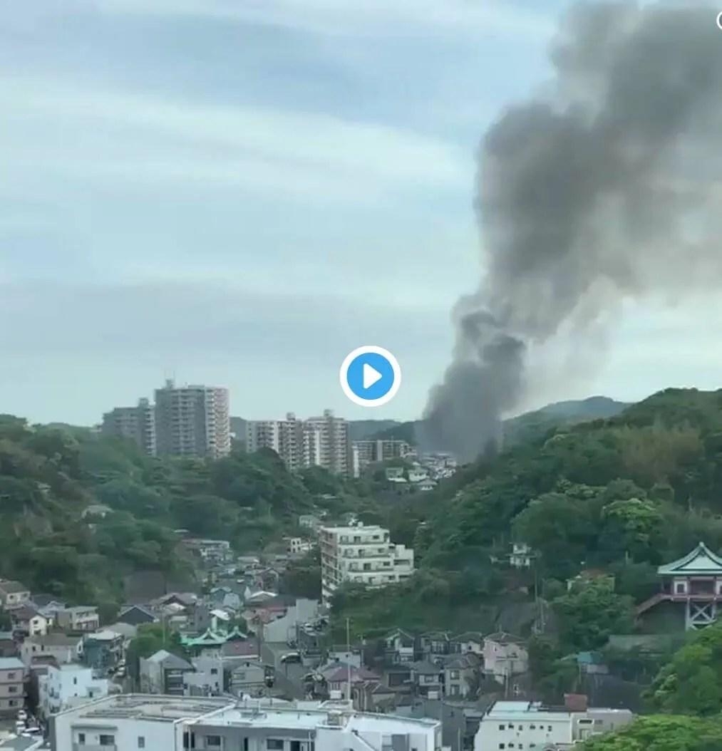 fire scene  横須賀市汐入町4丁目付近で火災